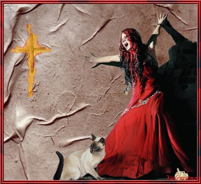 Arrière femme vampire !
