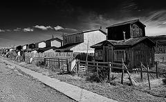 mono_houses