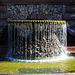 Gelber Wasserfall