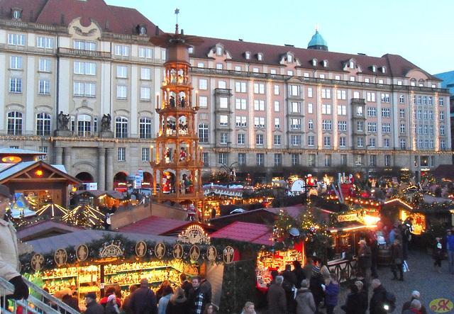 2011-12-15 17 Striezelmarkt