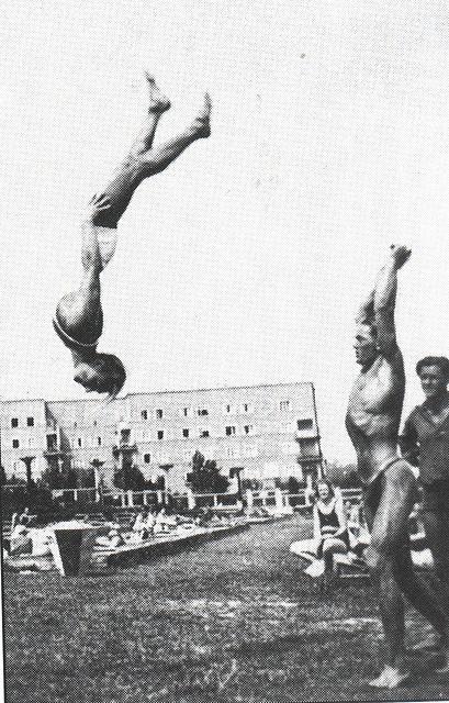 Vienna / Wien public bathes 1920' -8-