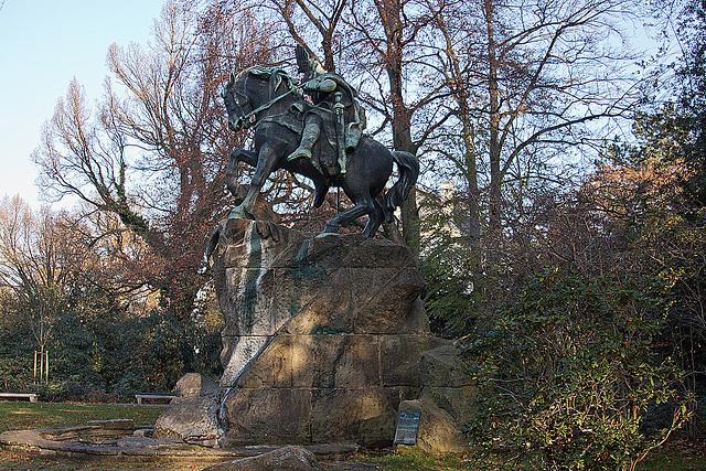 20111112 6853RAfw Wittekind-Denkmal [HF]