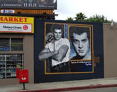 Great L.A. Walk (1218) Tony Curtis