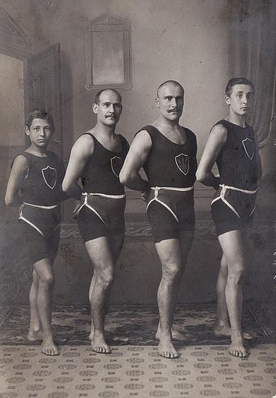 Die Brueder Riehle....1910