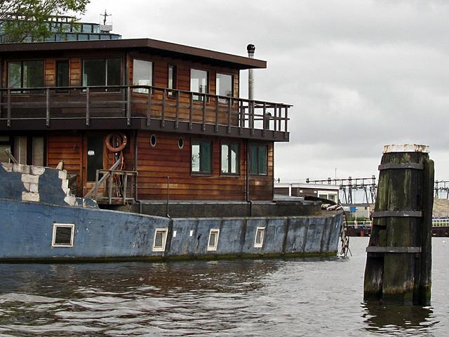 IMG 1220 Hausboot