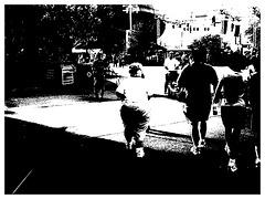 Fesses dodues et matures / Mature chubby bum- Disney Horror pictures show - 30 décembre 2006. -  Bichromie en noir et blanc