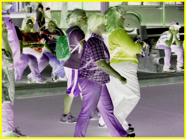 Tambours majors humains sur 2 pattes / Boum ! Boum! Boum!  Disney Horror pictures show  / December 30th 2006 -  Négatif