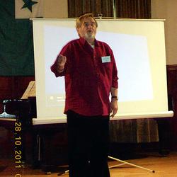 konata emerita opersolisto Miroslav Smyčka kantas Esperanto-tradukon de la ĉeĥa himno