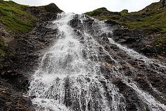 Wasserfall am Wanderweg Ramsjoch - Nasse Tuxer Alm