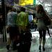 Winnaars Lady in high heels / Jeune Dame Winnaars en talons hauts - Schiphol / 9 juillet 2011  - Brume noire postérisée