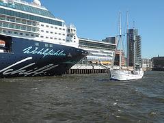 Mein Schiff 2 und Segler