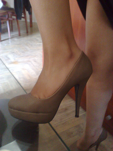 Les talons hauts de Lady Berhgam / Lady Berhgam in high heels - Photo originale