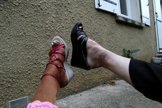 Amusement à 4  Pieds / 4 Feet funtime - Dame Spirit et une Dame s'amusent !  Lady Spirit and a Lady enjoying themselves !