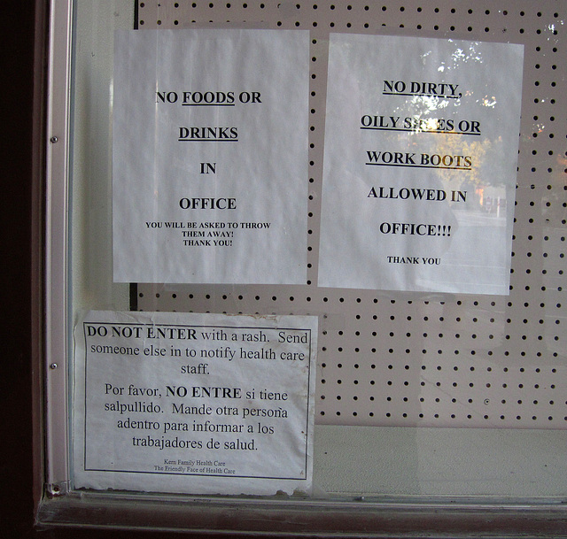 ipernity: Signs On Doctors Office in Taft (0634) - by Ron\'s Log