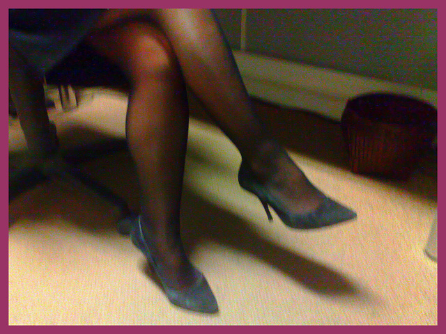 Lady Bergham en talons hauts / Lady Bergahm's high heels / 14 novembre 2011 - Avec ma touche / Enhanced with my personal touch