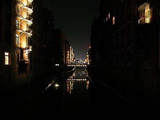Speicherstadt, Hamburg, bei Nacht / Bild 1290
