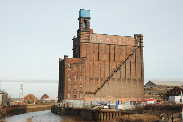 British Extracting Company's Mill