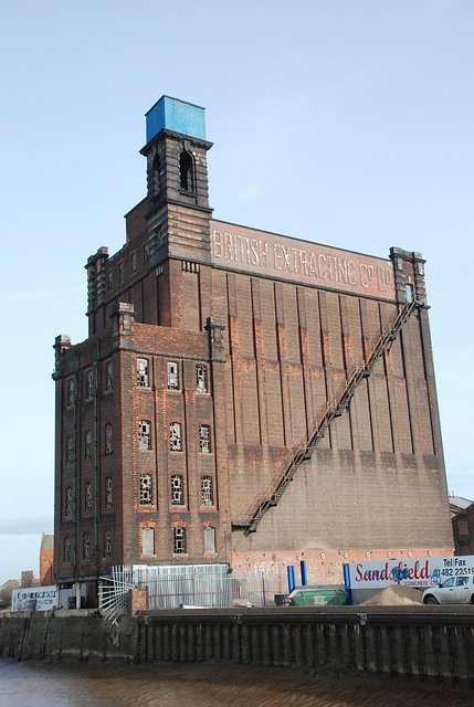 British Extracting Company's Mill