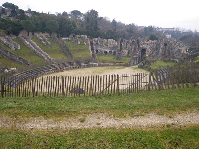 Amphithéâtre de Saintes, vue générale.