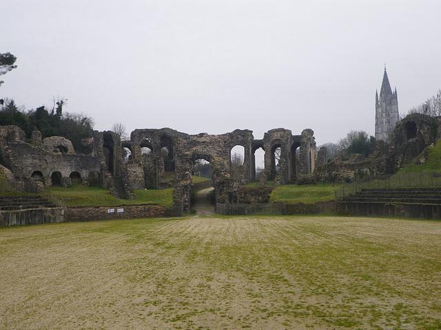 Amphithéâtre de Saintes, entrée ouest.