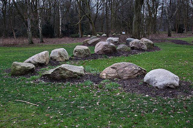 20120128 7062RAw [D~LIP] Kunstobjekt Endmuräne, Landschaftsgarten, Bad Salzuflen