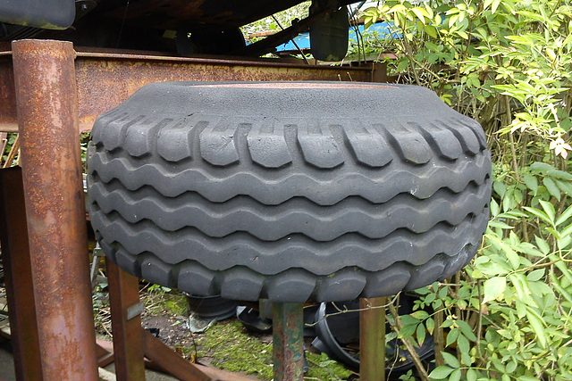 Tired tyre
