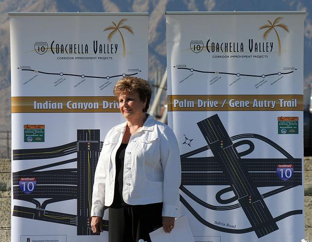Mayor Parks at I-10 Overpasses Ribbon Cutting (3315)