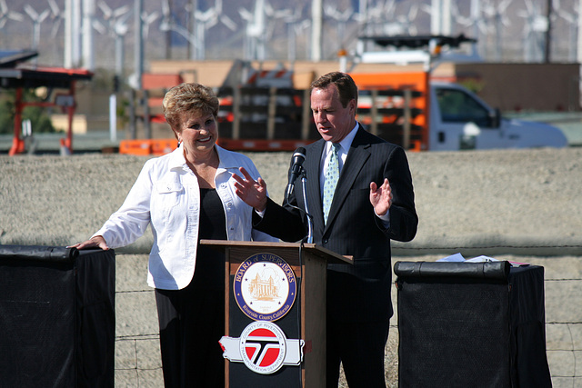 Mayors Parks & Pougnet at I-10 Overpasses Ribbon Cutting (3388)