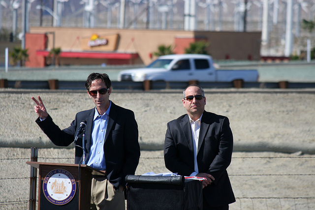 Tom Kirk at I-10 Overpasses Ribbon Cutting (3430)