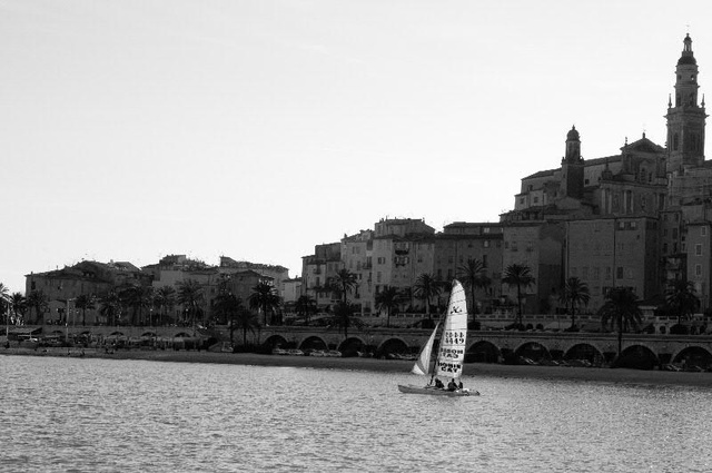sailing in front of the old town