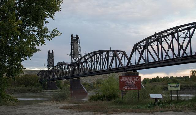 Fairview, ND railroad bridge (0498)