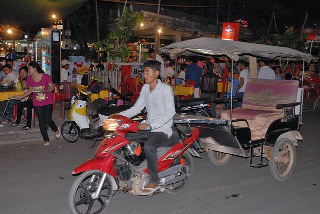 Moto-romauk in the Old Market