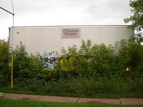 Diamonds builders graffitis / Constructeur de diamands graffitiens.