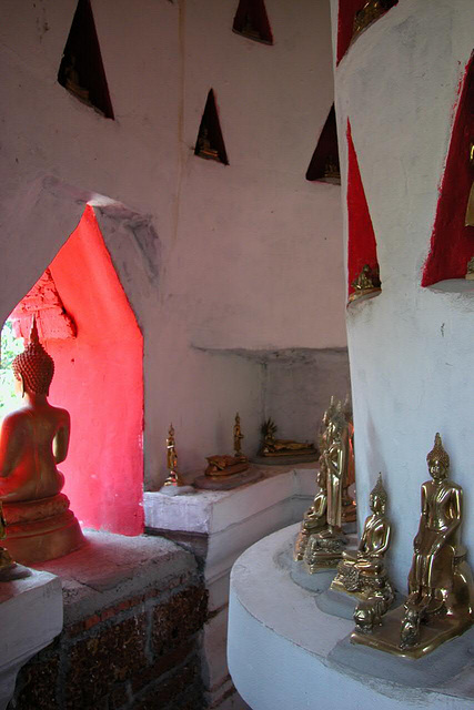 Places to administer own Buddha images