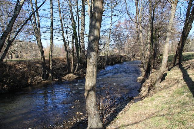 rivière par beau temps