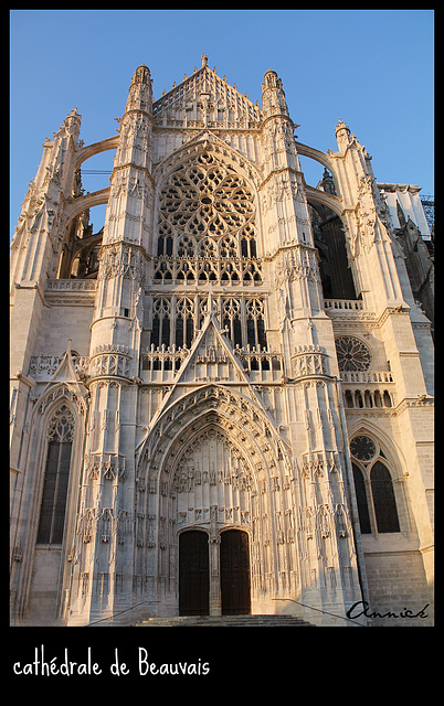 CATHEDRALE***