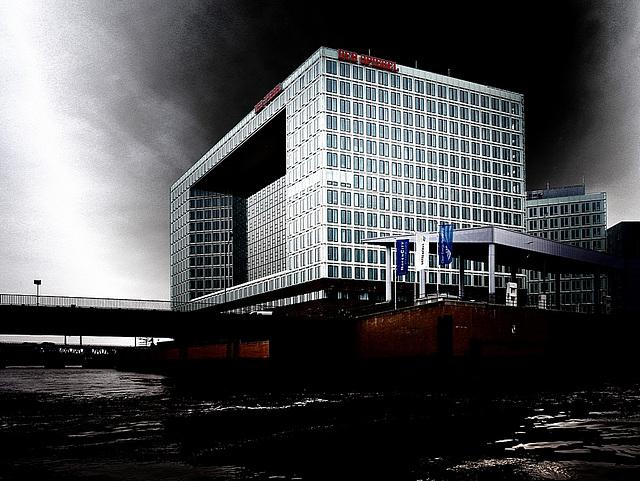 """""""Der Spiegel"""""""