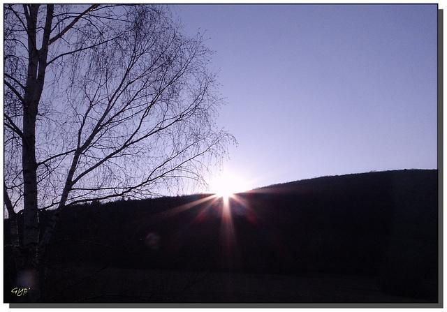 A la puesta del sol .....