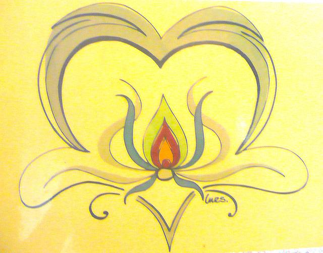 Herz mit Flamme und Licht