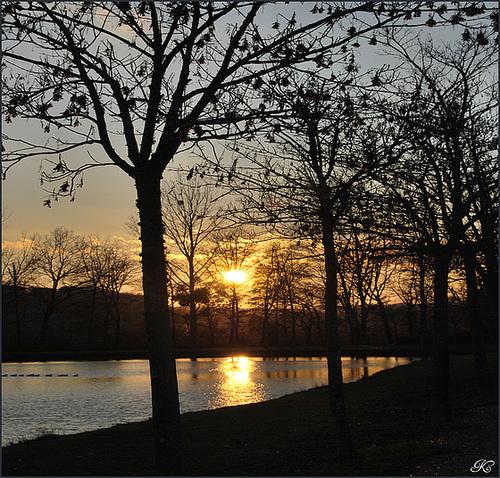 Un soir sur le lac de Belvèze du Razès