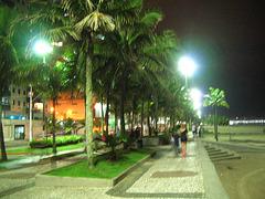 Praia Grande, Rue juste devant le plage