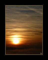Et le soleil roulait sur une mer de brume