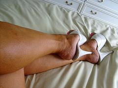 My friend Carla in white high heels / Mon amie Carla en talons hauts immaculés - 26 juillet 2007