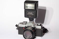 MINOLTA XG1 + md rokkor  50mm 1:1,7 + flash MINOLTA Auto 200X