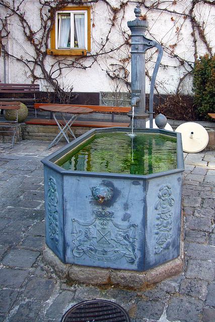 Pumpenbrunnen