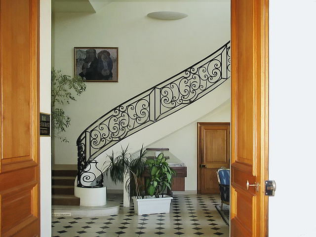 115 1575ac Staircase to First Floor Appartments