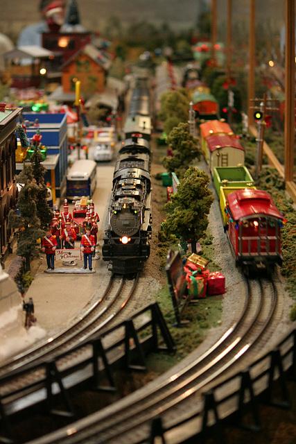 San Diego Model Railroad Museum Christmas Display (2068)