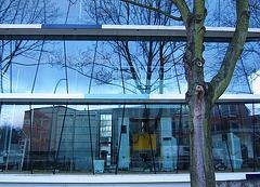 HAW - Glasfassade mit Trapezen