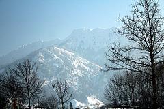Berge im Frühdunst