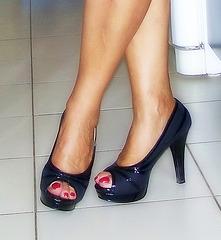 Les talons hauts de Madame Tissot / Lady Tissott's high heels - 1er janvier 2006.